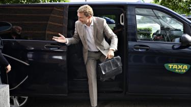 Morten Messerschmidt, næstformand i Dansk Folkeparti, ankommer fredag til Retten i Lyngby, hvor han er anklaget for EU-svig og dokumentfalsk.