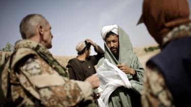 Selv om aftalen åbner for, at op mod 200 afghanere kan komme til Danmark, er den langtfra tilstrækkelig. Den overser nemlig en stor gruppe afghanere, der har fungeret som militære tolke. Det mener Michala Bendixen og Mads Silberg.