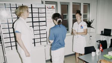 På afsnit C217 på Aarhus Universitetshospital har sygeplejerskestrejken indfundet sig. Men udskudte patienter og manglende fremskridt i konflikten risikerer at føre til en situation, der gør mere ondt end selve strejken