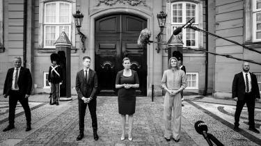 Statsminister Mette Frederiksen (i midten) præsenterede mandag hendes ministerrokade, hvor Jesper Petersen (til venstre) bliver nyuddannelses- og forskningsminister, mens Ane Halsboe-Jørgensen (til højre) bliver ny kultur- og kirkeminister.