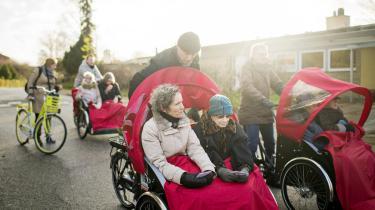 Frivillige fra organisationen Cykel uden alder, der er ude at køre med ældre fra plejecentret Solgården i Virum.