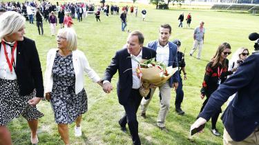Højst overraskende meddelte statsminister Stefan Löfven søndag på det socialdemokratiske sommermøde, at han vil trække sig som leder af partiet og landet.