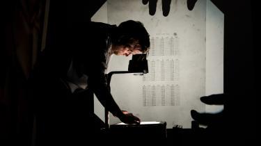 Lydkunstner Niels Lyhne Løkkegaard omsætter engangskoderne fra NemID's nøglekort til musik og laver mindesmærker for en snart forældet teknologi
