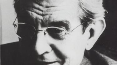 Transmanden blev af Jacques Lacan anset for psykotisk og monstrøs. Paul B. Preciado hævder, at sygeliggørelsen af de nonbinære og transpersoner er en forudsætning i psykoanalysen.