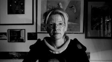 Norske Beate Grimsrud blev kun 57 år. Ligesom hovedpersonen i sin sidste roman, 'Jeg foreslår at vi vågner ', var hun dramatiker og forfatter bosat i Sverige.