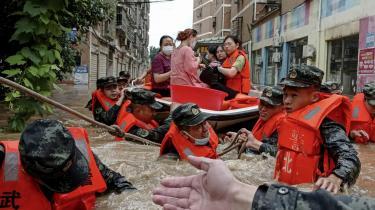 For ti år siden oplevede Kina en 'guldalder' inden for miljø-aktivisme- og -journalistik. Men FN's seneste alarmerende klimarapport stiller kinesiske miljøforkæmpere over for et svært dilemma: Hvordan man presser en regering, der i stigende grad ikke tåler kritik