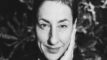 For den tyske forfatter Judith Hermann er det ikke længere muligt at skrive om uskyldige emner. Ikke i denne verden. Derfor har hun skrevet en dystopisk roman, hvor klimakatastrofen, de uddøde arter og en sommer med hedebølge har sin nødvendige plads