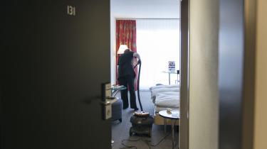 Blandt andet i hotelbrancen er flere danskere ansat i såkaldte prekære stillinger, hvor arbejdsgiverne ikke lover dem et bestemt antal timer.