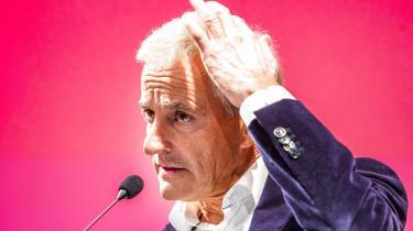 Socialdemokraten Jonas Gahr Støre og støttepartier fik flertal ved mandagens valg i Norge. Partilederen har en forpligtelse til at vise grøn handling i et land med så mange muligheder og et rødt-grønt flertal, skriver Information i denne leder. Men det er højst tvivlsomt, om landet er klar til et opgør med olien.