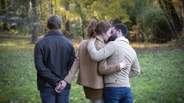 Den franske instruktør Emmanuel Mouret har fat i et universelt emne, kærlighed, i sit nye romantiske drama, 'De ting, vi siger og de ting, vi gør', der handler om,hvorfor der ikke altid er en indlysende sammenhæng mellem vores idealer og vores handlinger.