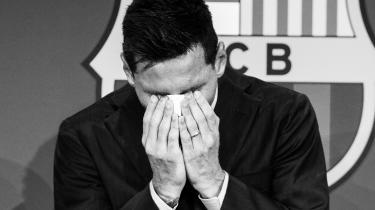 Tårerne trillede ned ad kinderne, da Lionel Messi officielt tog afsked med sin klub igennem 20 år.
