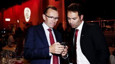 Arbeiderpartiets Espen Barth Eide (t.v.) forventes at blive olie- og energiminister i Norges kommende regering. Han har tidligere været blandt andet udenrigsminister.