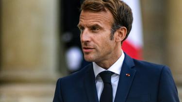 Frankrigs præsident Emmanuel Macron tilbagekaldt fredag sine ambassadører fra både Australien og USA. Det skete, efter at Australien i sidste uge skrottede en aftale med Frankrig om at købe atomubåde for et tocifret milliardbeløb.