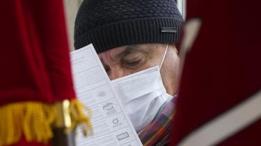 Det regerende parti, Forenede Rusland, beholder som ventet magten i det russiske parlament efter at have vundet 45 procent af stemmerne, viser foreløbigt resultat. Men det er stadig en tilbagegang for partiet siden 2016, og det skyldes flere ting