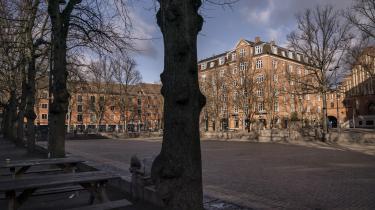 Tre familier skal fortsat smides ud af deres lejligheder ved Blågårds Plads.