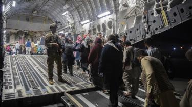 Nederlaget i Afghanistan åbner mulighed for at flytte store beløb fra militærudgifter til konfliktforebyggelse og bekæmpelse af fattigdom