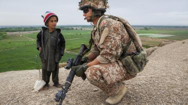 Udenrigsminster Jeppe Kofod (S) mener, at vi »skylder hinanden« at få undersøgt Danmarks 20 år i Afghanistan.