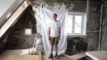 Kollegerne er en vigtig drivkraft for lysten til at komme på arbejde, siger tømrer Anders Isedor Rasmussen.