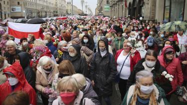 Den hviderussiske nobelpristager Svetlana Aleksijevitj var en del af oppositionens koordinationsråd, der organiserede fredelige kvindedemonstrationer i Minsk mod præsident Lukasjenkos valgsvindel.