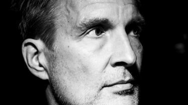 Bestsellerforfatteren Christian Jungersen har skrevet et monstrum af en roman, en 750 siders pageturner og thriller om livet, efter børnene er flyttet hjemmefra. Og for første gang har han skabt en hovedperson, der udadtil minder om ham selv