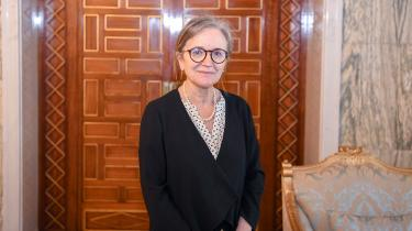Den for mange ukendte professor i geovidenskab Najla Bouden bliver Tunesiens nye premierminister. Hun bliver ikke blot Tunesiens første kvindelige premierminister – hun bliver også den første i den arabiske verden.