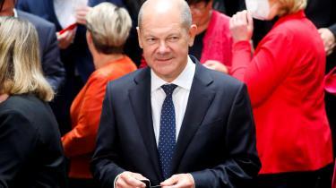 Olaf Scholz har promoveret sig selv som en kompetent forlængelse af Merkelæraen.