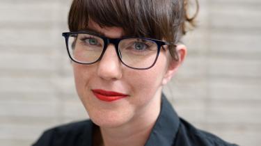 I 'Noter til mig selv' skildrer den irske forfatter et patriarkalsk samfund, hvis kvindeblik ikke alle steder har fundet et anstændigt fokus