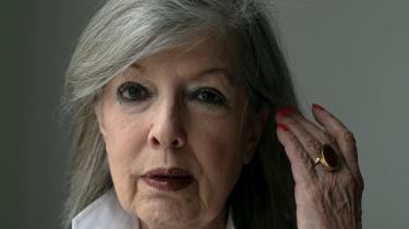 Suzanne Brøgger bruger i sin nye bog, 'En forfatters dagbog 2010-2020', sin ytringsfrihed til at latterliggøre og 'body shame' modstandere som Marianne Stidsen, Søren Ulrik Thomsen og Frederik Stjernfelt