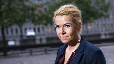 Instrukskommissionen tilsidesatte fuldstændig afdelingschef Line Skytte Mørk Hansens forklaring i sagen om Inger Støjbergs adskillelse af asylpar. I denne uge fastholdt hun sin forklaringen i rigsretten – og den er stadig fuld af huller