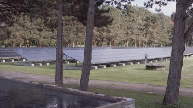 Kina tegner sig for omkring 78 procent af verdens solcelleproduktion. Hverken Dansk Energi eller brancheforeningen Dansk Solkraft har dog tal på, hvor mange solceller eller komponenter herhjemme, der stammer fra Xinjiang eller Kina. På billedet ser vi Kallerup Renseanlæg i Høje Taastrup.