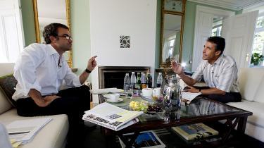 Tidligere statsminister Anders Fogh Rasmussen kritiserer Mette Frederiksen for at være for lukket over for pressen. Men han fik selv kritik af Folketingets Ombudsmand for at forskelsbehandle journalister og nægte pressen adgang