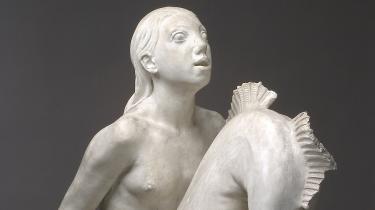 De samlede værker af en af danmarkshistoriens største billedhuggere vises for første gang siden 1946 i et mesterværk af en udstilling på Glyptoteket. Anne Marie Carl-Nielsens krogede hestenakker og søde kalve strutter af livsvilje
