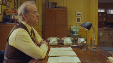 Chefredaktør Arthur Howitzer (Bill Murray) påden franske avis 'Dispatch' i Wes Andersons 'The French Dispatch.'