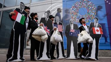 Til G20-mødet 13. oktober samledes demonstranter foran IMF's hovedkvarter i Washington, D.C. for at fastholde de rige lande på deres forpligtelse til at hjælpe udviklingslandene med at klare klimaforandringerne.