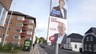 Der er lagt op til en duel imellem de to tidligere landspolitikere, venstrekvinden Eva Kjer Hansen og SF'eren Villy Søvndal, om borgmesterkæden i Kolding, efter at den mangeårige V-borgmester Jørn Pedersen har valgt ikke at genopstille.
