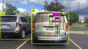 Med de selvkørende biler er der kommet en stigende frygt for, at de vil blive hacket. Almindelige moderne biler er dog langt mere usikre, mener en sikkerhedsekspert.