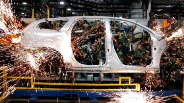 Indtil videre har vi mest analyseret på, om robotter skaber flere eller færre jobs end de fjerner ud fra diverse fremskrivninger af økonomi, teknologi, etc. De første tal, der analyserer situationen som den er i dag, peger indtil videre på et job-tab. Det har to forskere ved MIT og Boston University analyseret sig frem til.