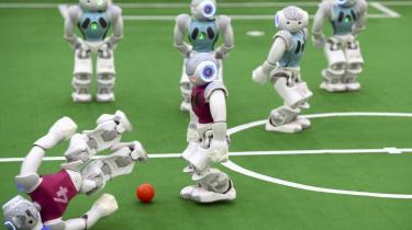 I al vores hype over kunstig intelligens overser vi, at der i mange tilfælde blot er tale om software og ikke intelligente systemer. Det udvander begrebet. The Atlantic har gennemgået eksempler udråbt til kunstig intelligens.