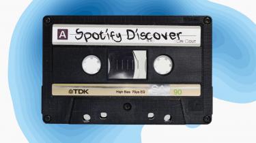 Musiktjenesten Spotify har 75 millioner brugere, som hver mandag får en playliste med bud på, hvad hver enkelt bør lytte til i denne uge. Mange brugere har undret sig over, hvorfor playlisten er så præcis. QZ.com har et godt bud på, hvad der gør Spotifys algoritme mere præcis en konkurrenternes.