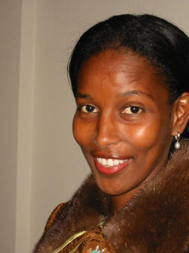 Problemet er, at så få mennesker vover at tage offentligt afstand fra muslimsk intolerance. Hvis der var titusindvis af Ayaan Hirsi Alis slags, ville risikoen for hver enkelt af dem være væsentligt mindsket.