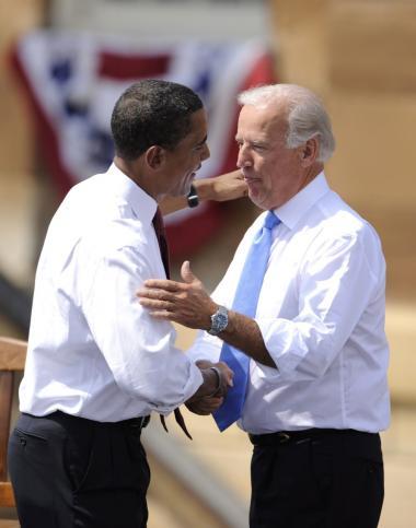 Efter at have fulgt Barack Obamas valgkampagne og hørt ikke mindst Obamas politiske udtalelser om sikkerheds- og udenrigspolitik accepterede Joseph Biden at stille op som vicepræsidentkandidat.