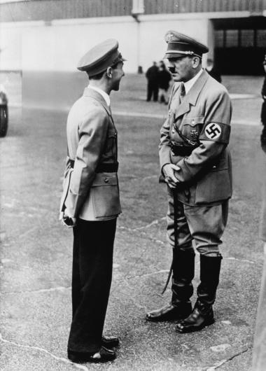 Retorik. 'LTI' er i historisk forstand en guldgrube til forståelse af mekanikken i Hitlers retorik og af diktatorens begavede megafon, dr. Goebbels' videreudvikling af sin herres voldsretorik.