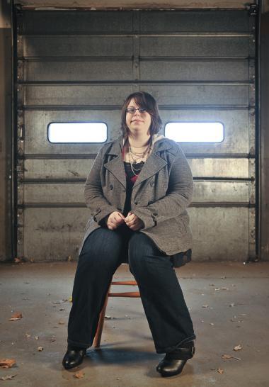 Amerikanske Amanda Hocking har stor succes med de p.t. syv   e-bøger, hun sælger for godt 50 kr. pr. styk fra sin hjemmeside.