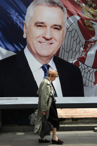 Den politiske elite og kirken har hjulpet med at skjule krigsforbrydere, lyder det fra anklagemyndigheden i Beograd, som vil retsforfølge de ansvarlige. De er dog usikre på, hvorvidt det nye politiske klima i landet – med præsident Tomislav Nikolic i spidsen – vil påvirke deres arbejde.