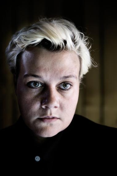 Maria Gerhardt, også kendt som Djuna Barnes, fik brystkræft som 34-årig. Nu har hun skrevet om bog om kærlighed og kræft.