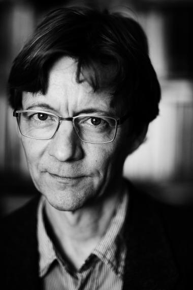 Akademisk mobning kalder to forskere fra Aarhus Universitet den kritik, som lektor Thomas Aastrup Rømer har rettet mod en videnskabelige artikel, de har skrevet. Videnskabsteoretiker Claus Emmeche undrer sig, for ifølge ham er den faglige kritik selve essensen af videnskaben.
