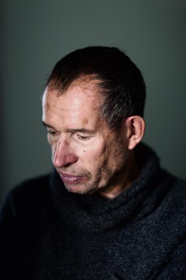 'Jeg har tilegnet min nye roman til en 12-årig afghansk dreng, der var snigmorder med seks liv på samvittigheden. Jeg vil forstå ham,' fortæller Carsten Jensen