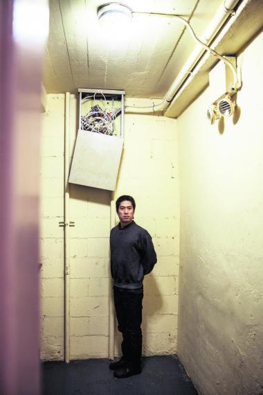 Amerikanske Tao Lin er med sine formeksperimenterende bøger en af de forfattere. der udforsker det lidt kortere novella-format, der ligger et sted mellem en roman og en novelle.