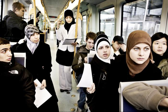 I Sverige skal man se befolkningen i avisen  122340dcc1b50