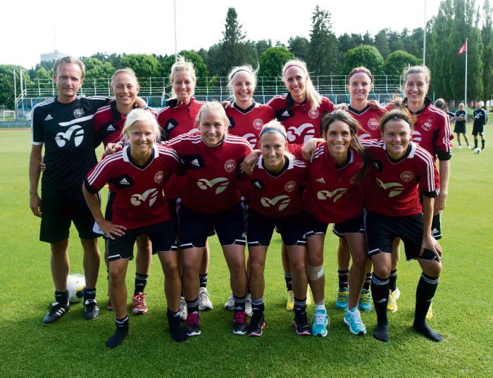 38b744b72e7 Det danske kvindelandshold i fodbold spiller i aften semifinale ved EM i  Sverige. Det sker